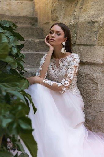 Eva Lendel Style Valentine