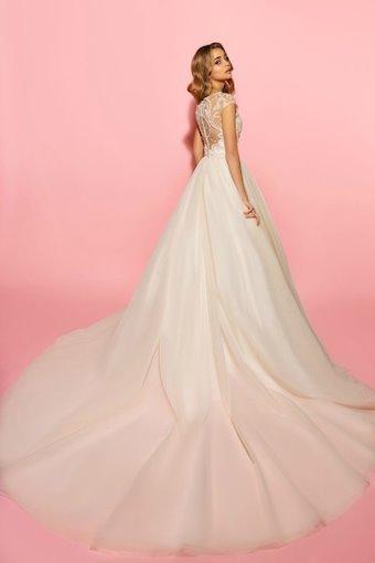 Eva Lendel Style Olivia
