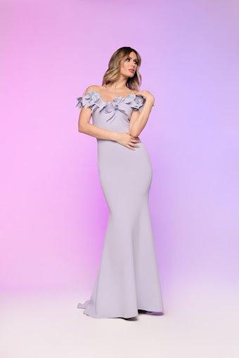 Nicole Bakti Style #614