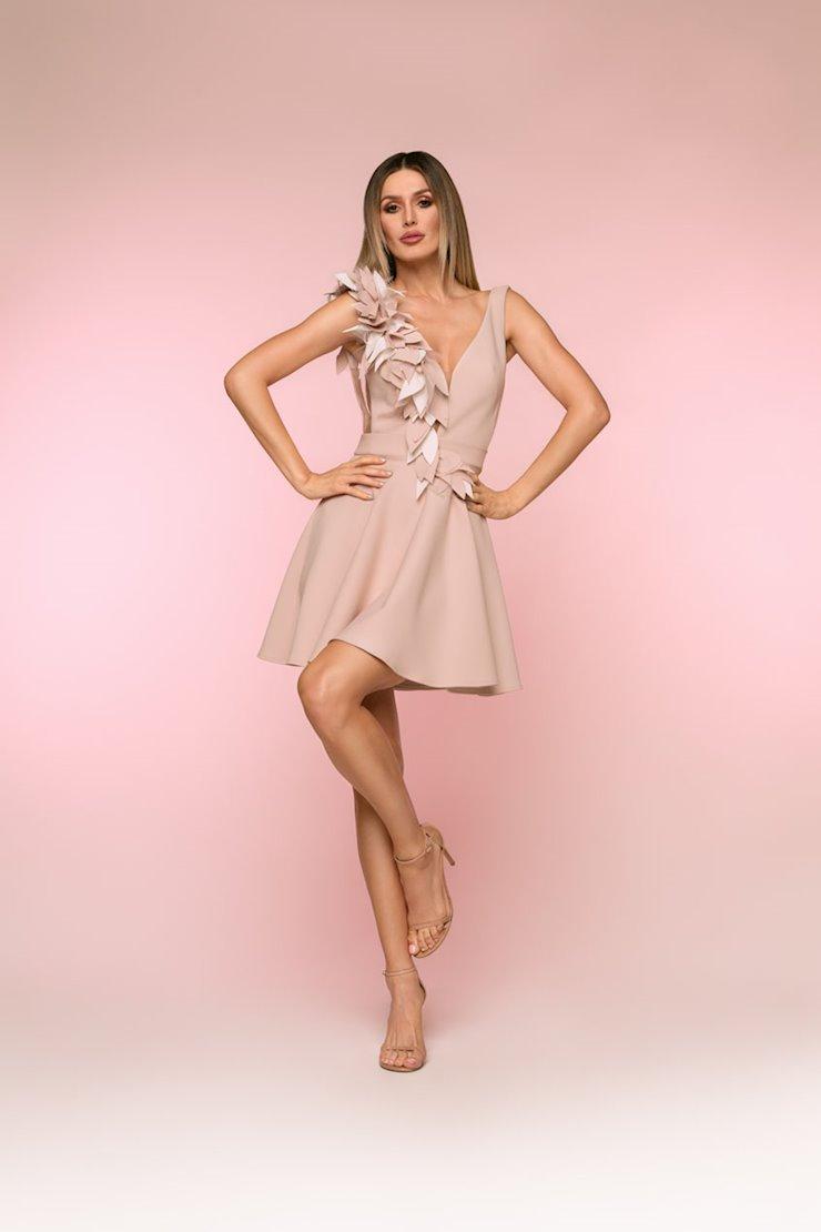 Nicole Bakti Style #615