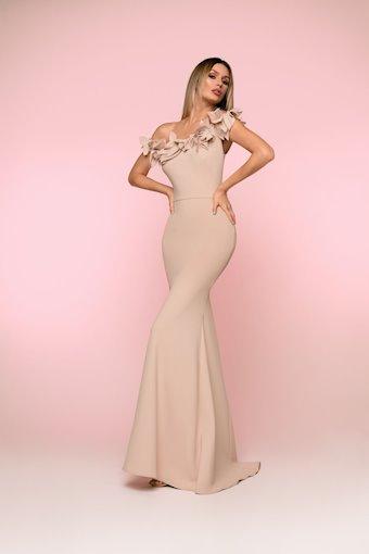 Nicole Bakti Style #616