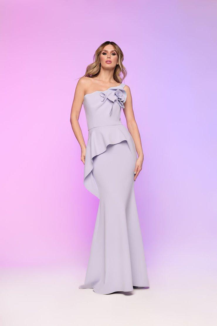 Nicole Bakti Style #625