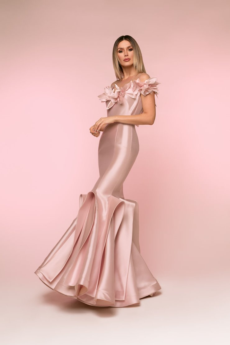 Nicole Bakti Style #6825