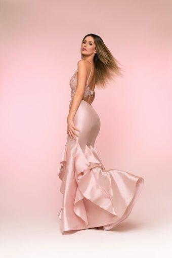 Nicole Bakti Style #6827