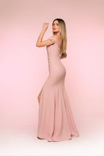 Nicole Bakti Style #6829