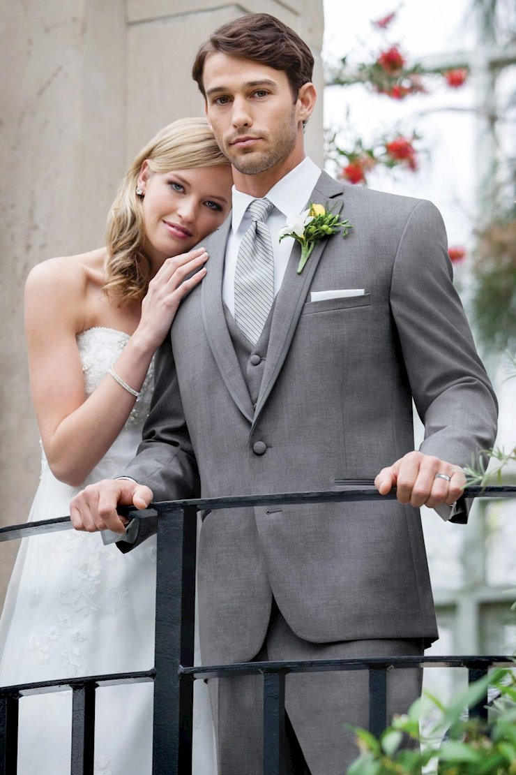 TUXEDO AND SUIT COLLECTIONS 322 Image