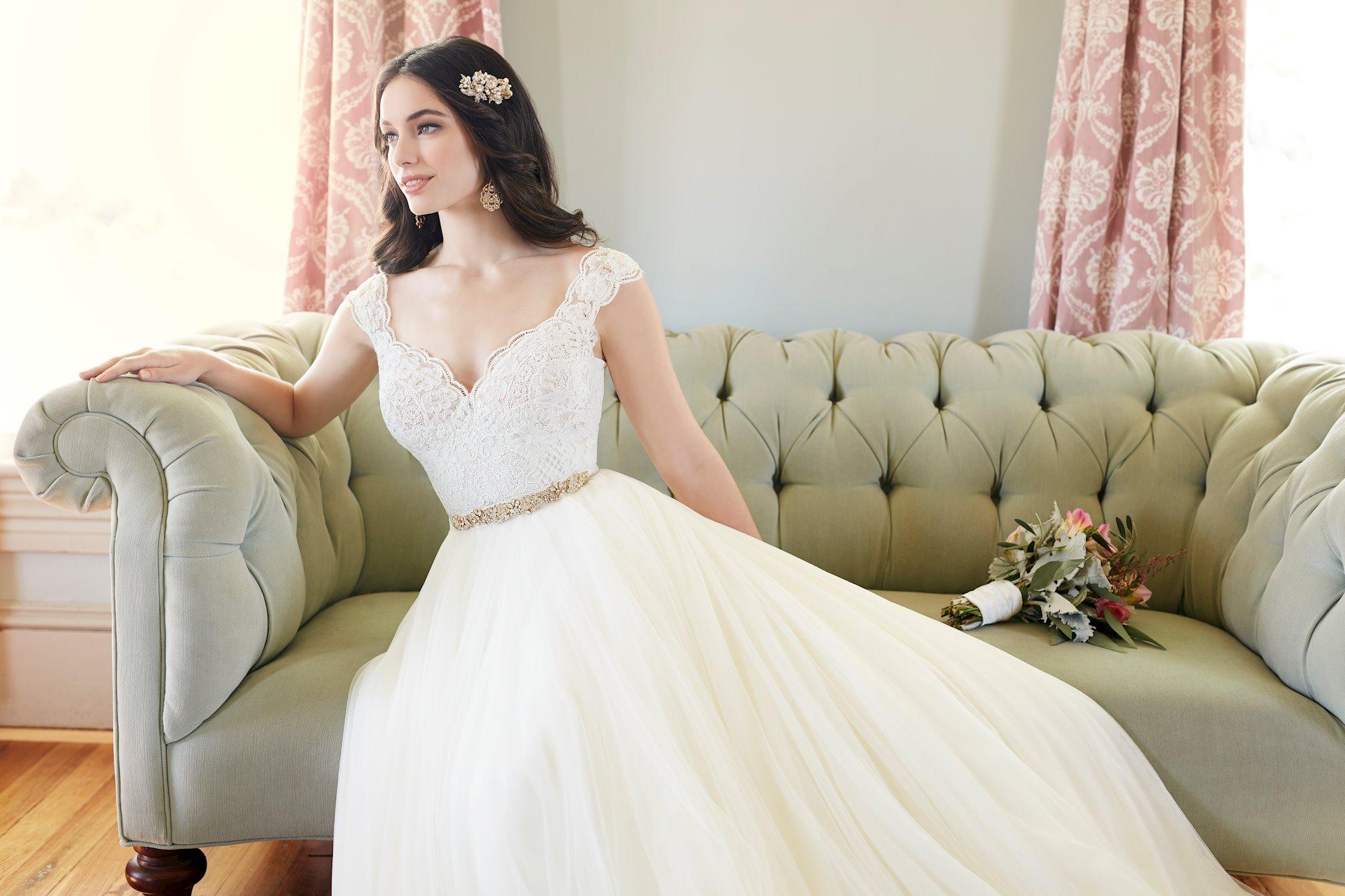 Martina Liana Bryn Blush Bridal Lounge